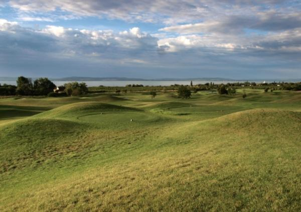 assets/Uploads/destination/28/_resampled/SetWidth600-balaton_golf_34.jpg
